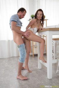 Young chick nailed by her man