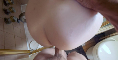Pounding stepdaughter's pussy